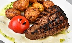 ChateauBriand cu cartofi noi si sos de branzeturi