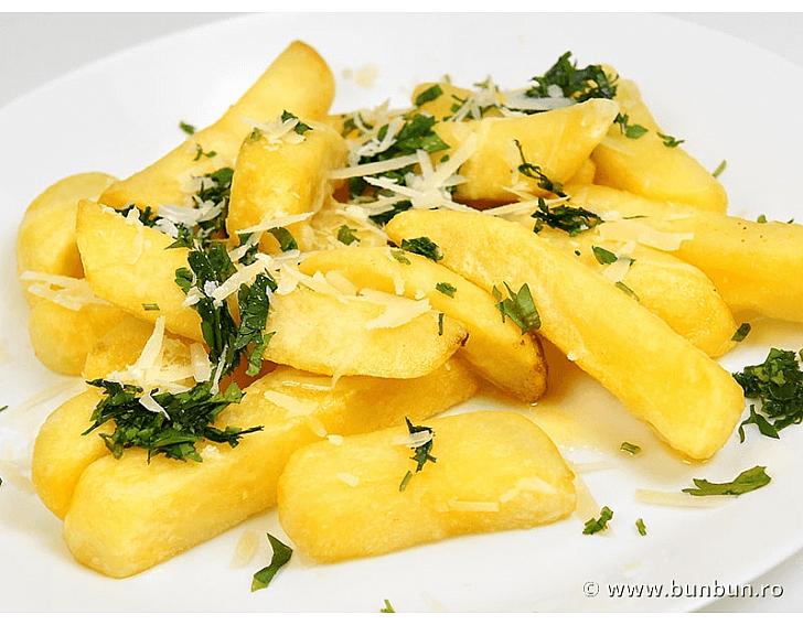 Cartofi prajiti cu parmesan
