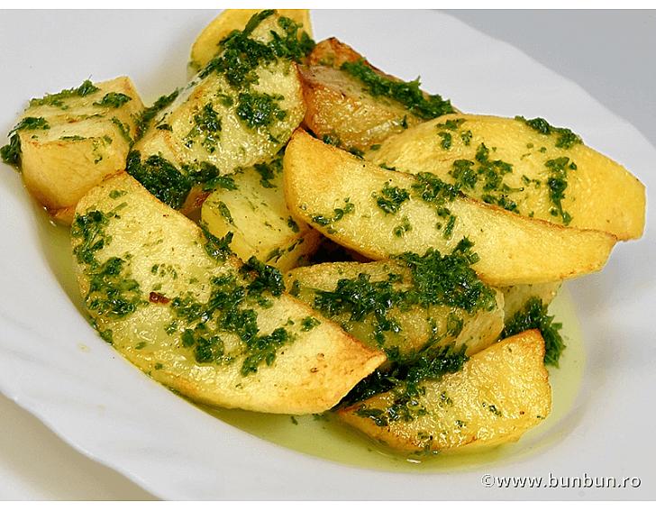 Cartofi la cuptor cu ierburi aromate