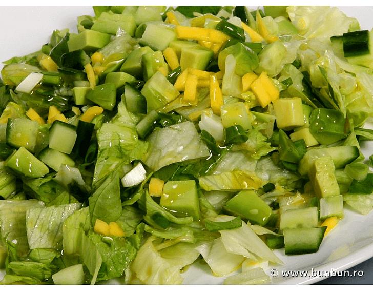 Salata verde tocata marunt