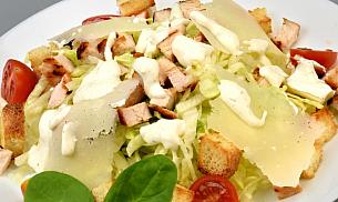 Salata Cezar cu pui