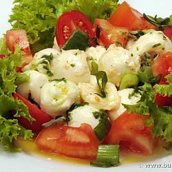 Salata Capresse cu bulgari de mozarella